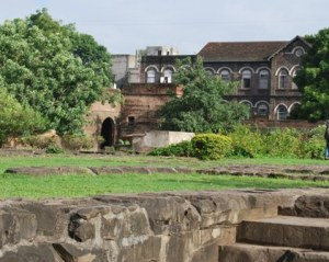 a view of other old buildings around theFort
